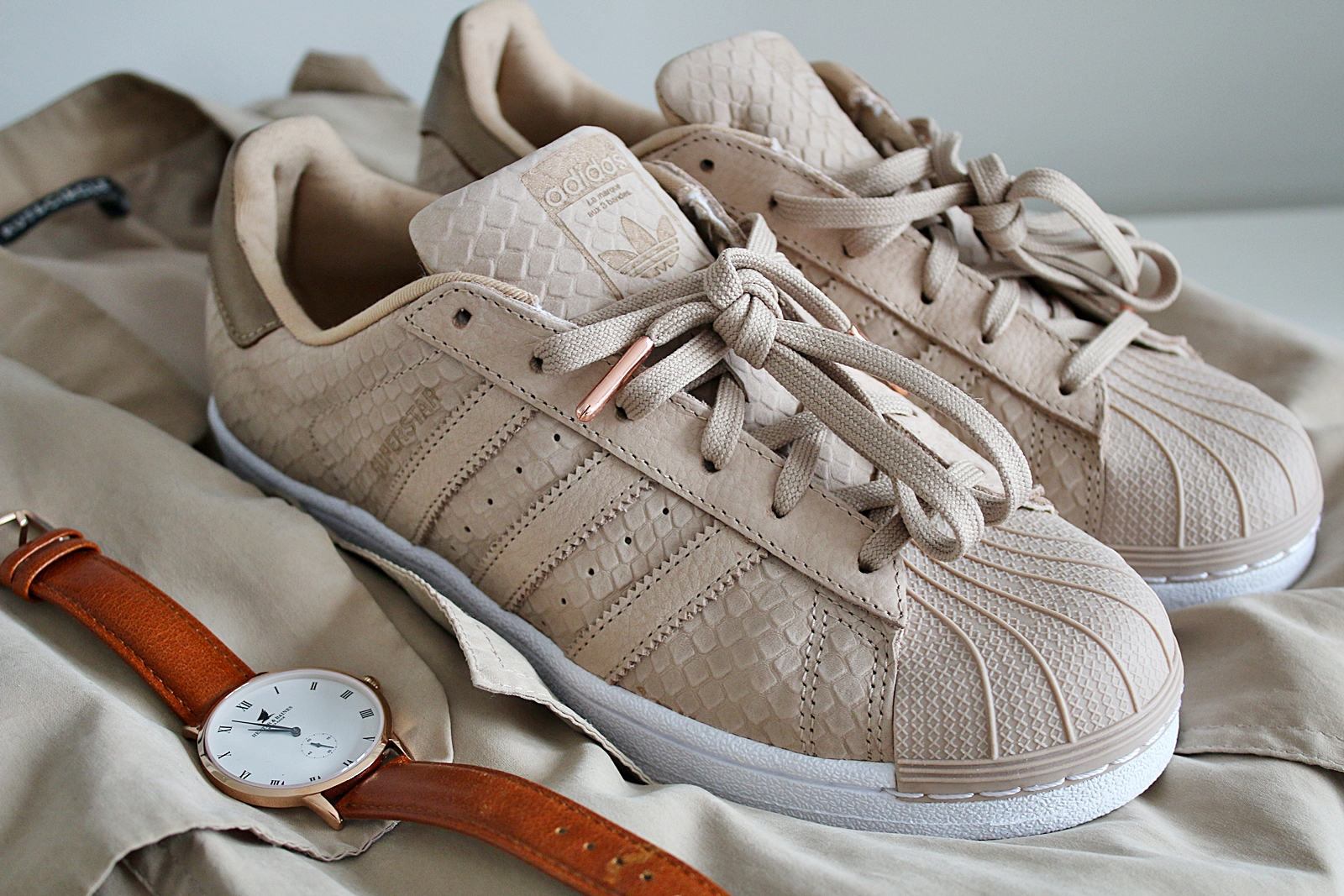 Nya Adidas superstar i pale nude
