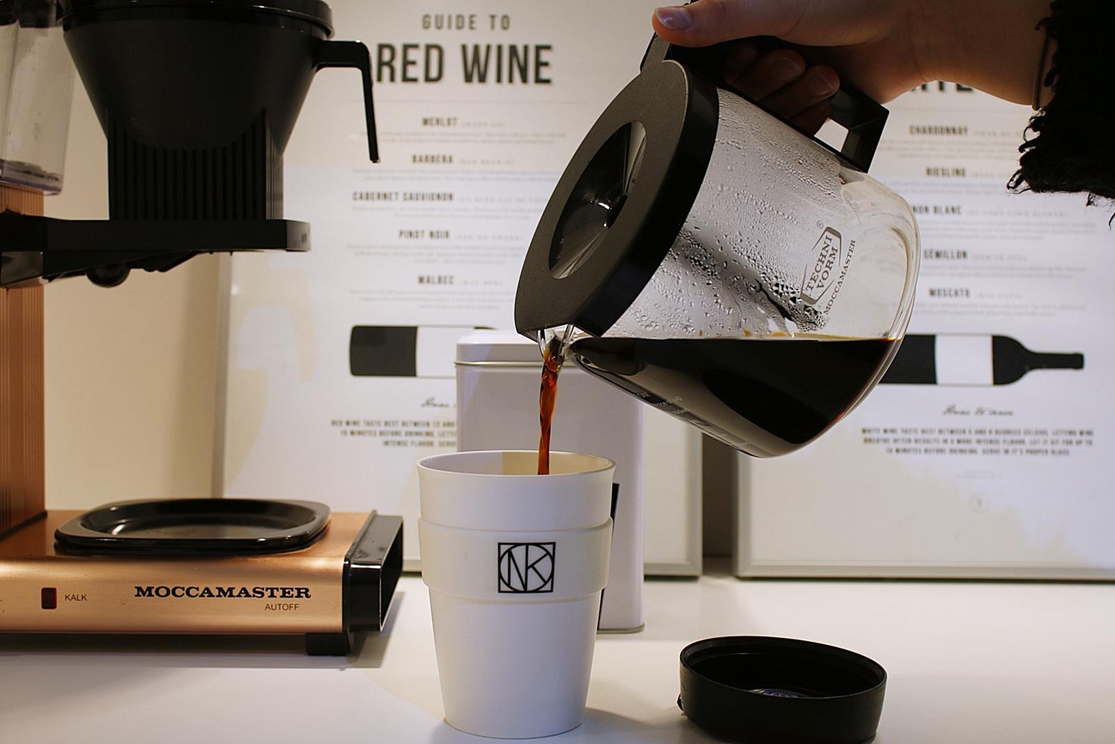 Godmorgon med gott kaffe från min lyxiga moccamaster i cooper