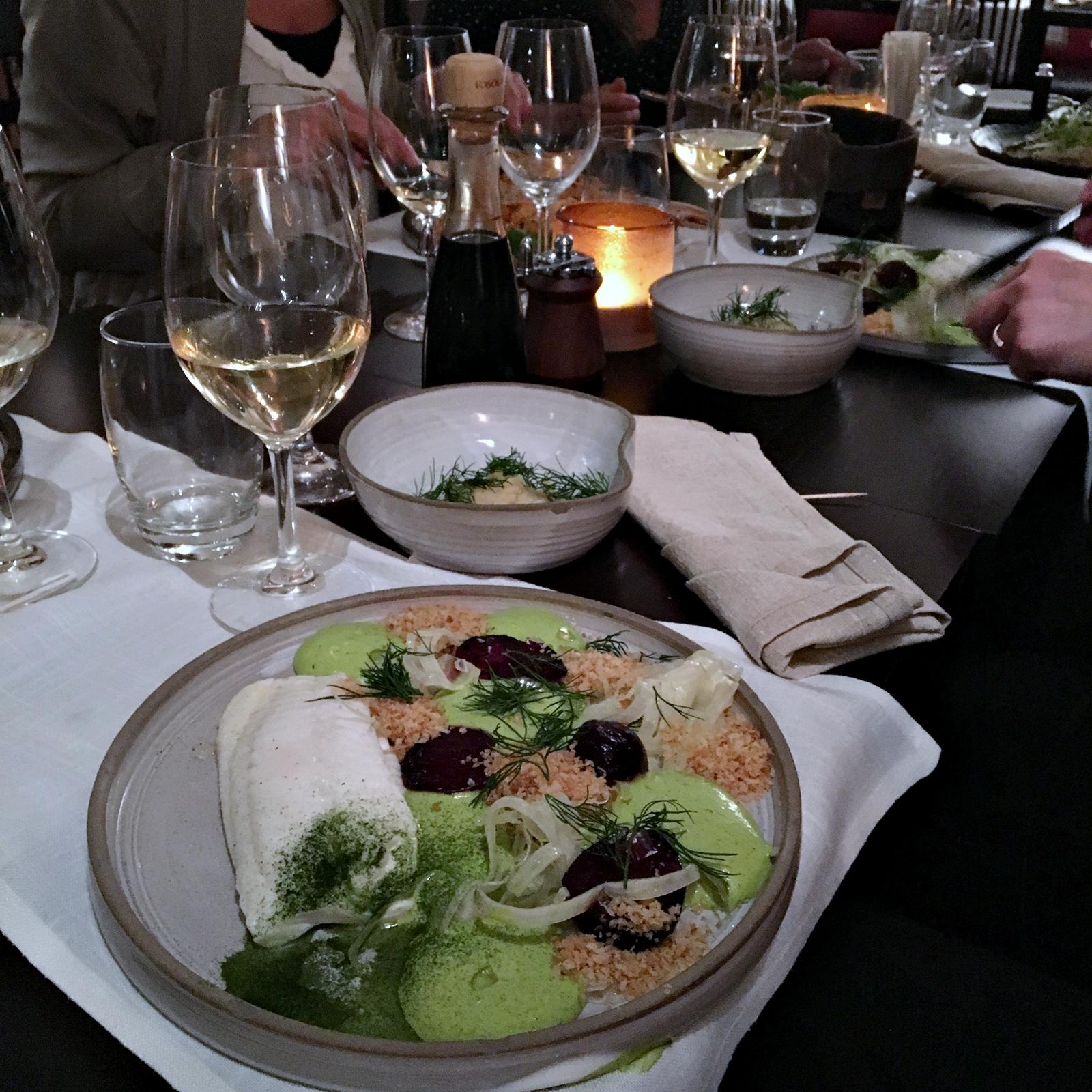 Ett besök på småstadens bästa restaurang med Lindex gänget