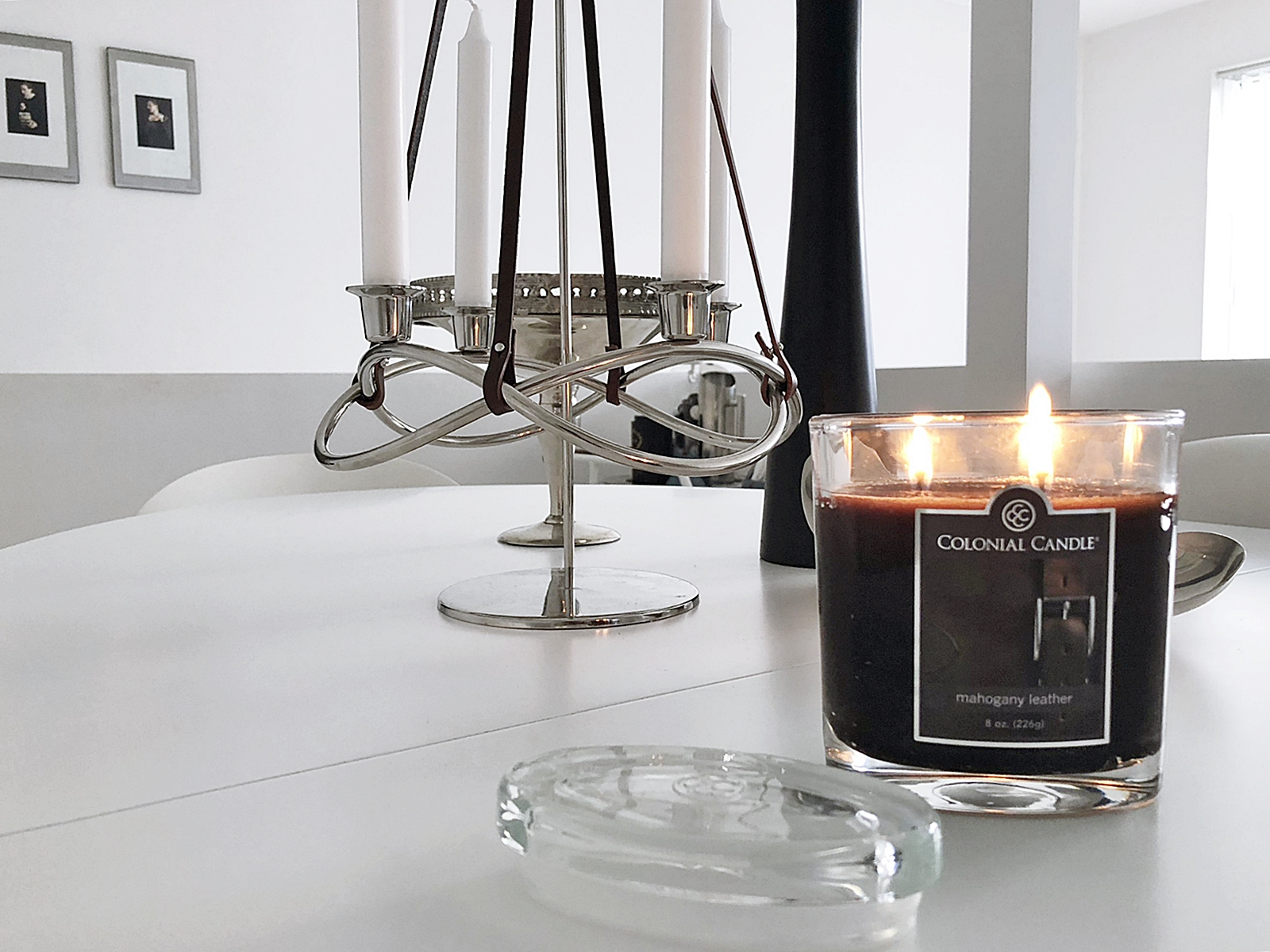 Colonial Candle med doftern Mahogany leather