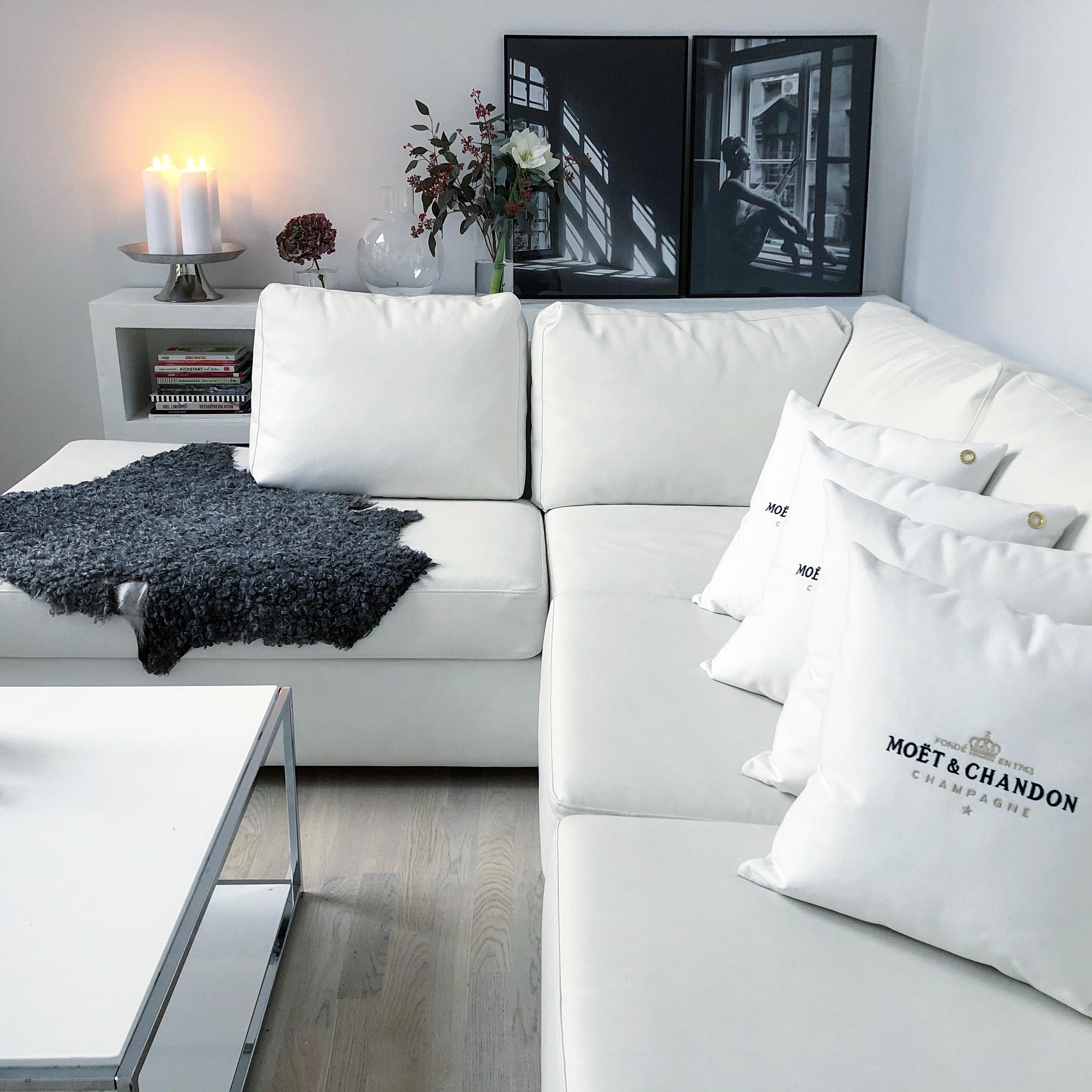 I kväll blir det att slappa i soffan bredvid min älskling