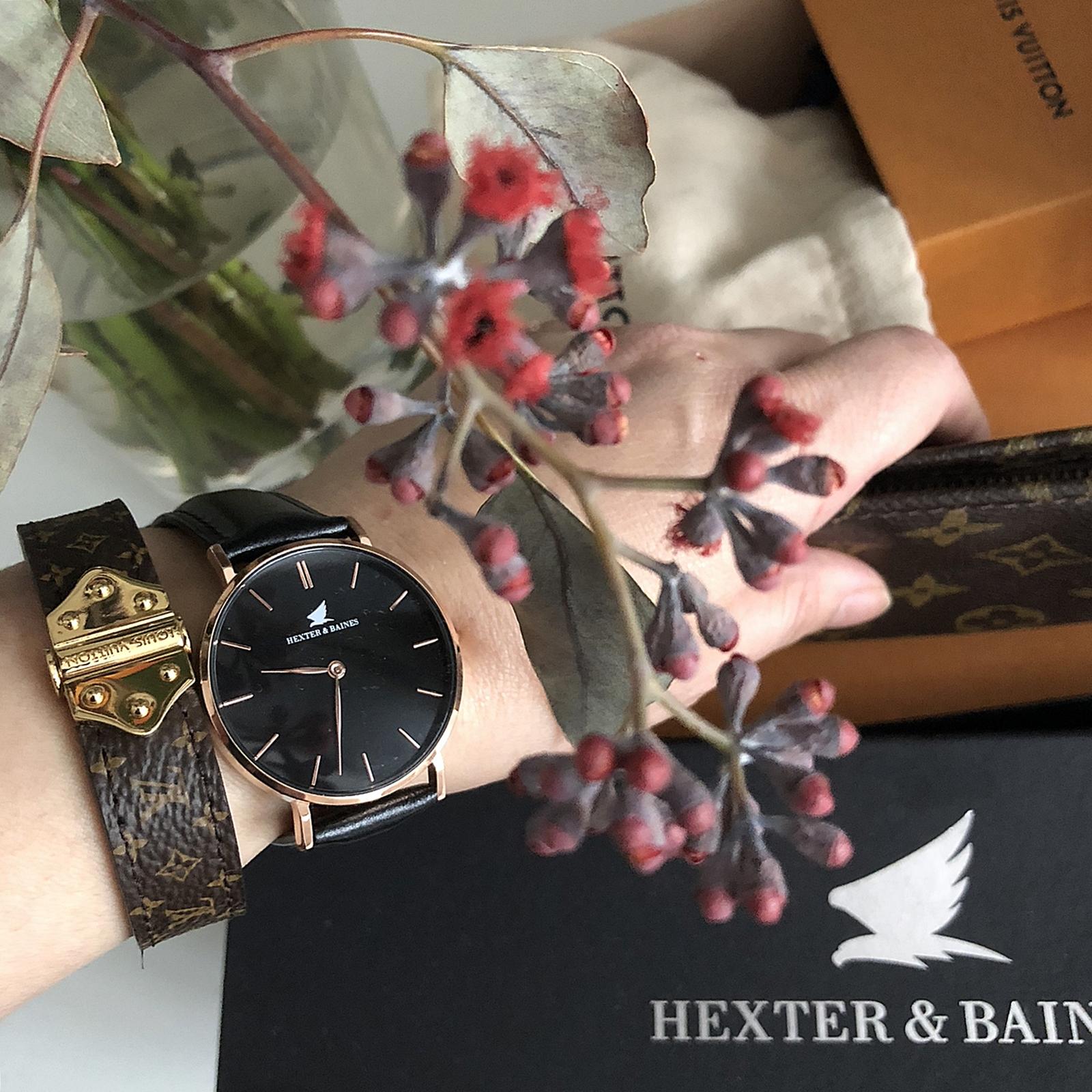 När man älskar sin Hexter & Baines klocka och fotar sönder den