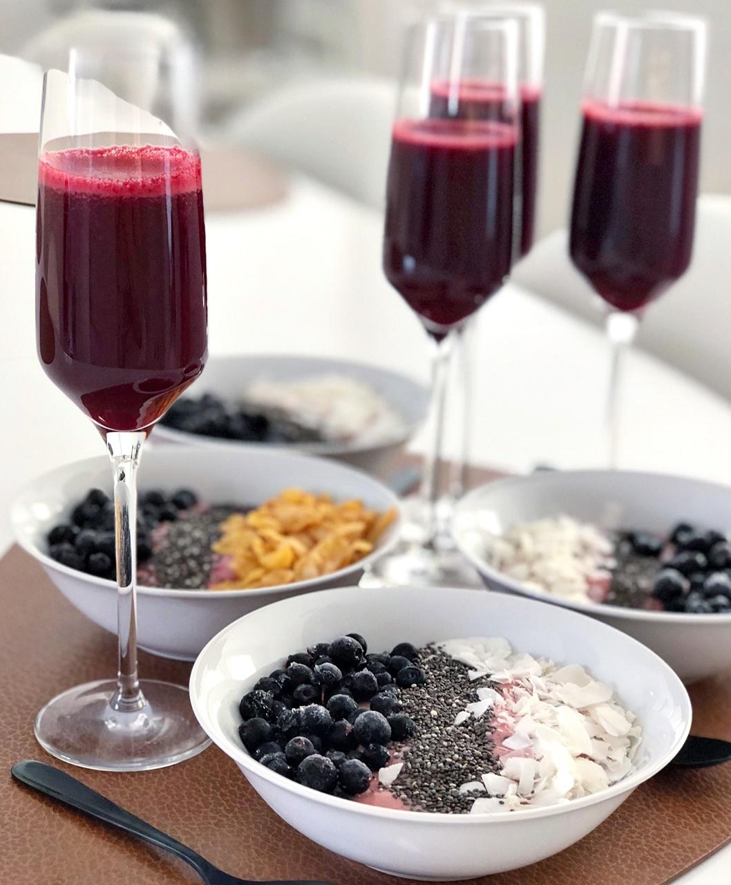 långa lata färgstarka frukostar är vår favorit